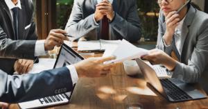 Ferramentas de vendas são importantes para qualquer negócio, mas o excesso delas pode ser prejudicial. Em nosso blog, explicamos o porquê.